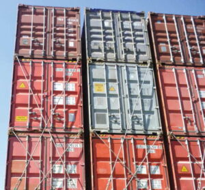 container-lashing-ship