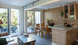 livingroom-looking-outside