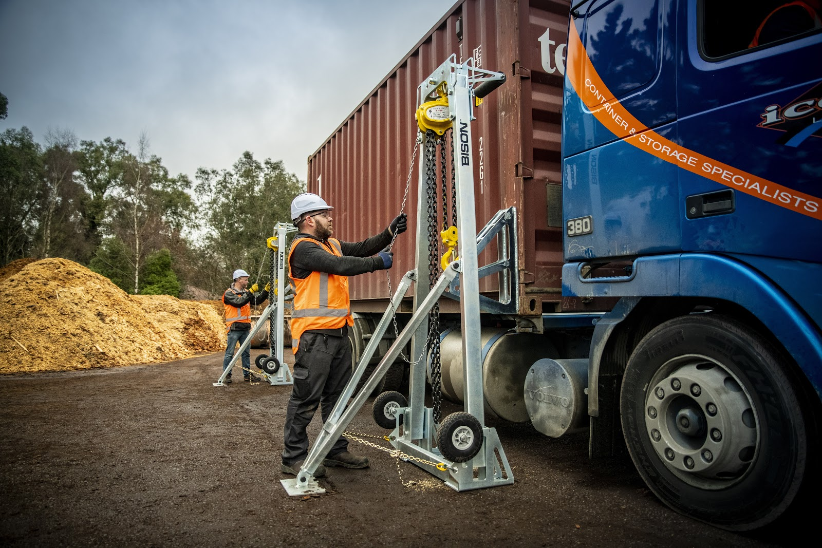Shipping Container Delivery and Offloading Costs - Discover Containers