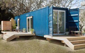 modern-beach-container-cabin