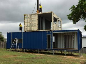 stacking-2nd-floor-containers