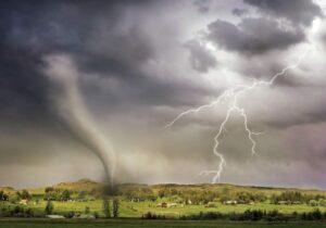 tornado-lightning-storm